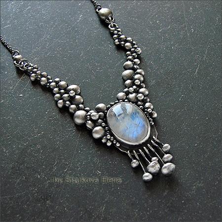 Лунный камень фото украшения